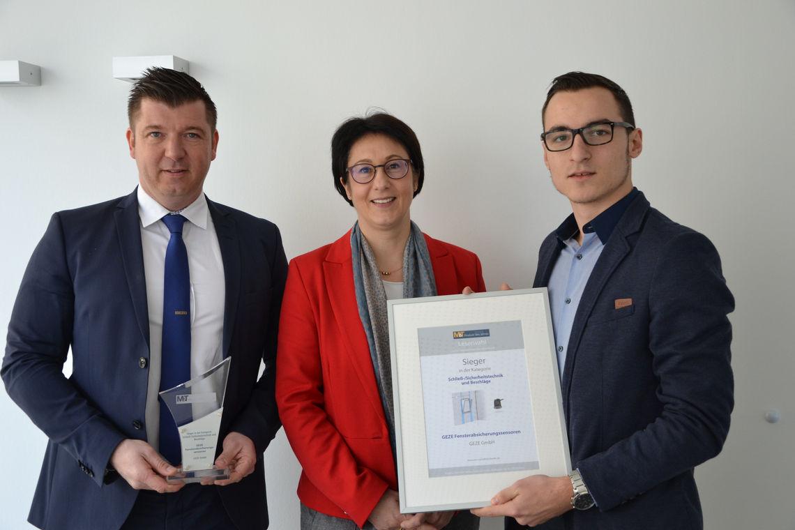 """Vertreter von GEZE nahmen den Award """"M&T Produkt des Jahres 2018"""" für die GEZE Fensterabsicherungssensoren entgegen"""