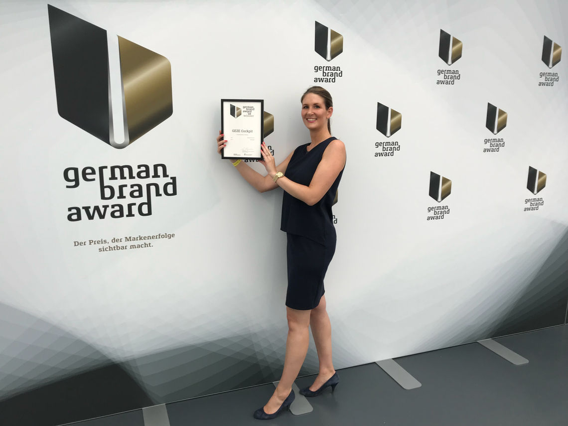 Angela Staiber, Deputy Manager of the International Marketing Sector, accepted the German Brand Award. Photo: GEZE GmbH