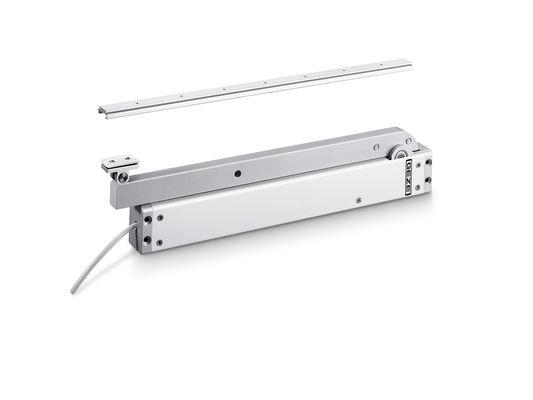 RWA K 600 G Attuatore braccio retraibile Può essere utilizzato sia sulle porte che sulle finestre. Con il collegamento fisso dell'azionamento mediante braccio a slitta su un'anta, la porta non può essere attraversata liberamente.