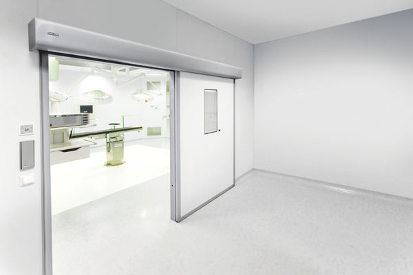 Pogonsko rješenje GEZE Powerdrive PL-HT komplet u OP vratima Automatski sustav linearnih kliznih vrata za velika teška vrata u područjima s povećanim higijenskim zahtjevima