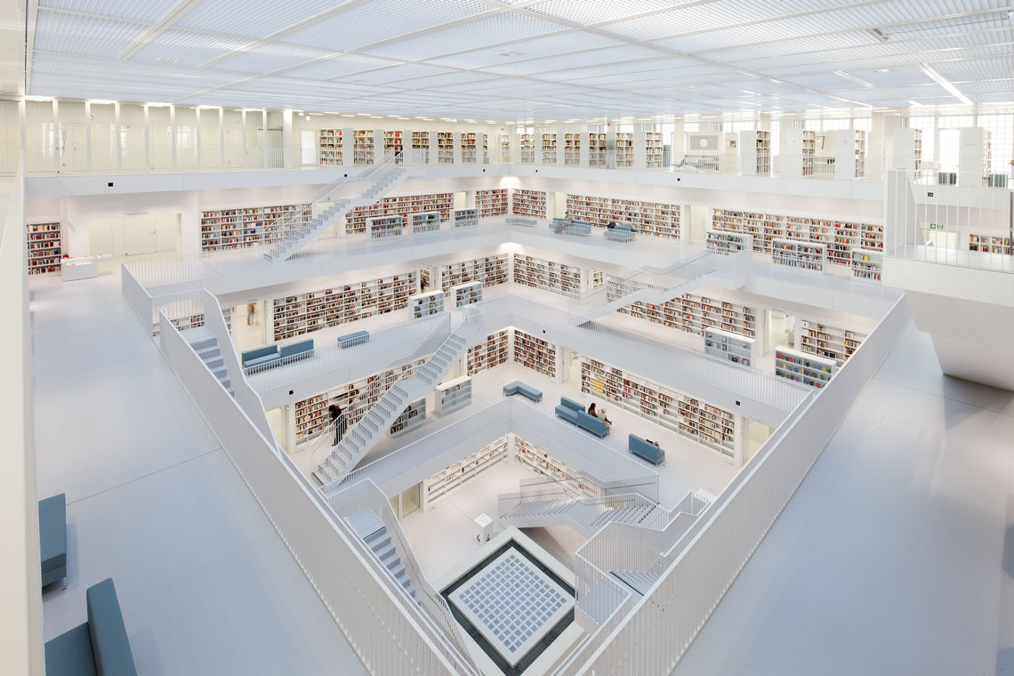 The new Stuttgart public library is characterised by bright, open room spaces and minimalist design. 
