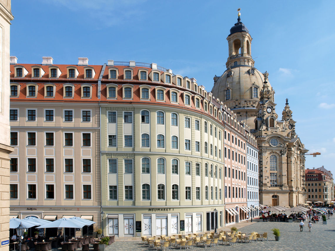 State-of-the-art window technology for the reconstructed Dresden Frauenkirche: GEZE integrated customised smoke and heat extraction systems into the historic building.