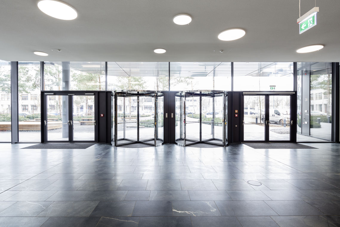 GEZE has is improving door convenience and safety at the new company headquarters of Vector Informatik by using BACnet-based building management technology and intelligent networked door systems.