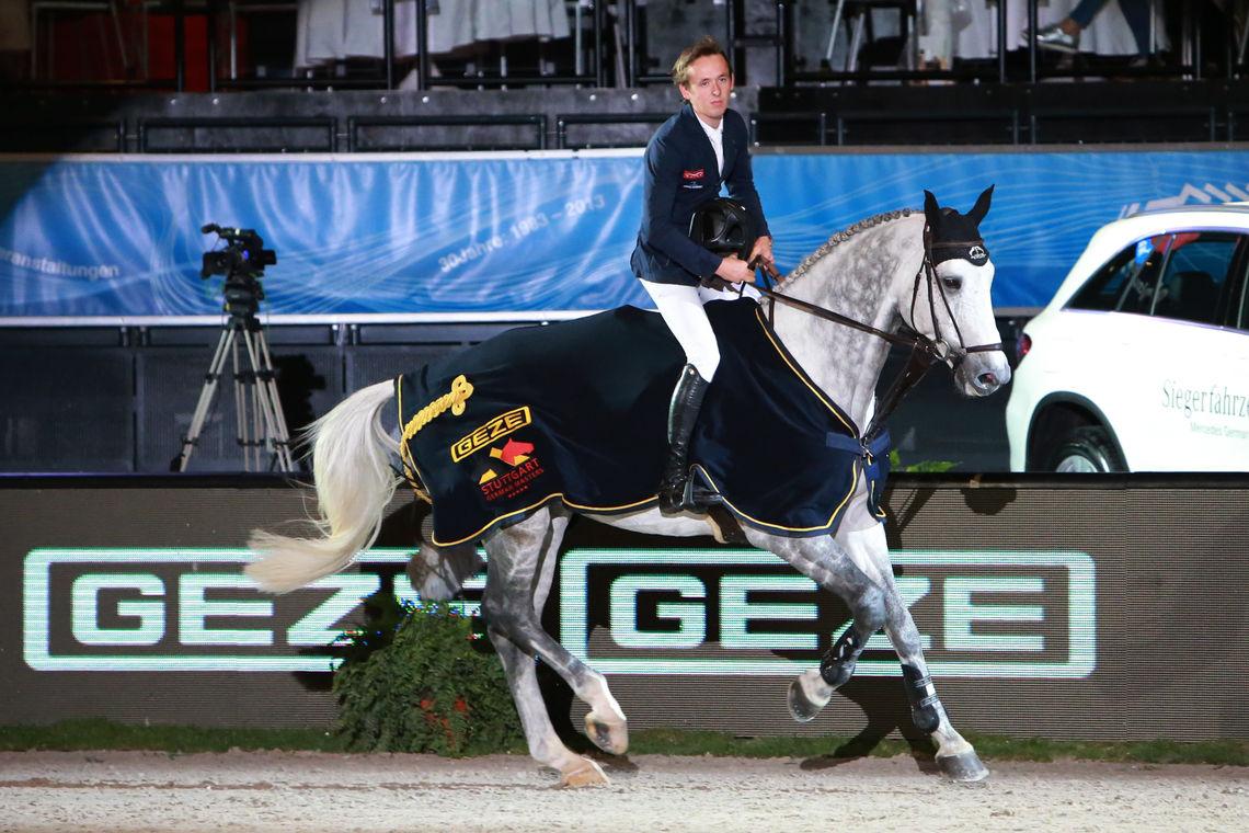 """Der """"Preis der GEZE GmbH"""" ist seit Jahren fester Bestandteil des Stuttgart German Masters. Am Start sind regelmäßig die besten Springreiter der Welt."""