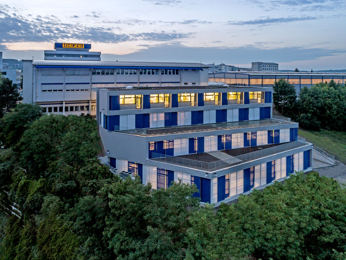 The largest individual investment in this field so far: GEZE has invested €13 million in an intelligent development centre, and is significantly increasing its research and development capacity with this smart building.