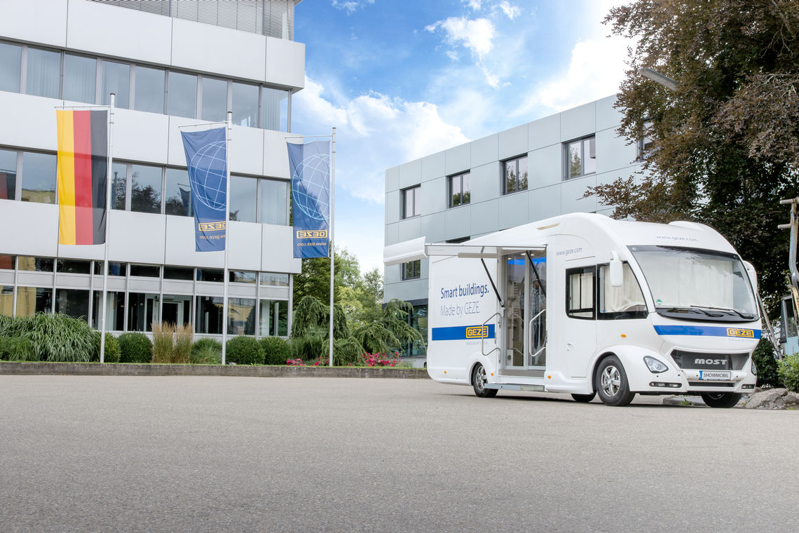 We wish you a warm welcome to our GEZE Showmobile. Experience GEZE products from the areas of door, window and safety technology.