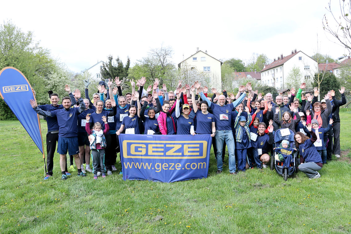 Taking part in the Race for Life through Ditzingen's municipal park has become a tradition for GEZE. The aim of the charity run is to 'run up' donations for the cystic fibrosis foundation.