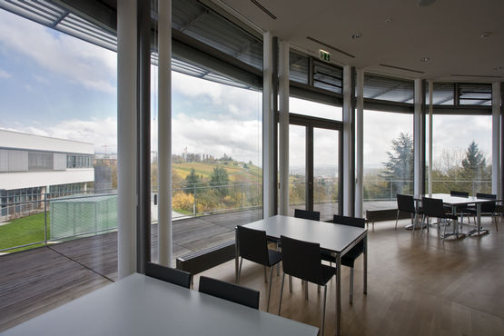 Pavilion of the Robert Bosch Hospital in Stuttgart, with GEZE automatic window and door systems.