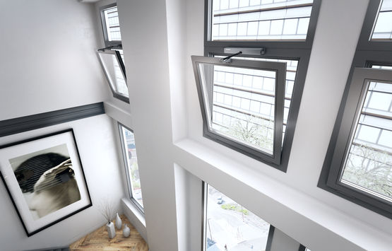 Automatic windows provide comfortable natural ventilation.