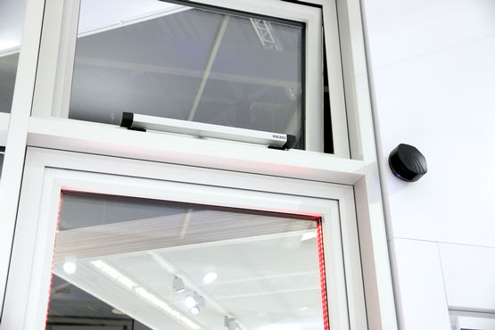 Window safety via a laser scanner sensor