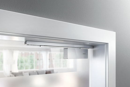 Fitted on the door frame or as integrated version: the GEZE ActiveStop is real door comfort for your home