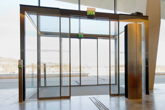 Door technology by GEZE in the International Centre for Cave Paintings. Photo: Jean-Luc Kokel for GEZE GmbH