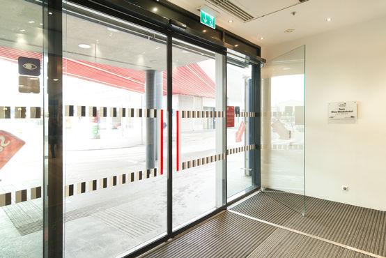 GEZE dørsystemer til adgang og forebyggende brandsikring. Foto: Sigrid Rauchdobler for GEZE GmbH