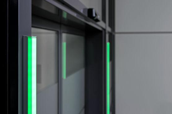 Automatska vrata mogu se jednostavno naknadno opremiti GEZE brojačem za sustav kontrole ulaza