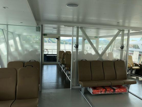 Schiebetür von GEZE im Bürgenstock Shuttle