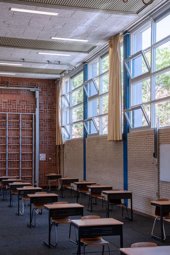 Im Praedinius-Gymnasium sind die Fensterantriebe mit Luftqualitätssensoren verbunden.