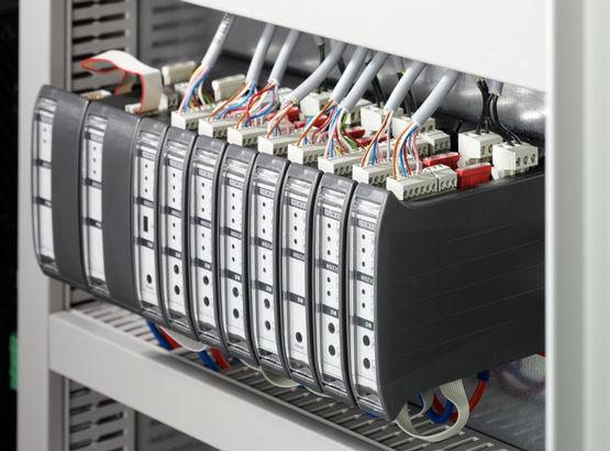 Zentrales Steuergerät für Rauch- und Wärmeabzugsanlagen