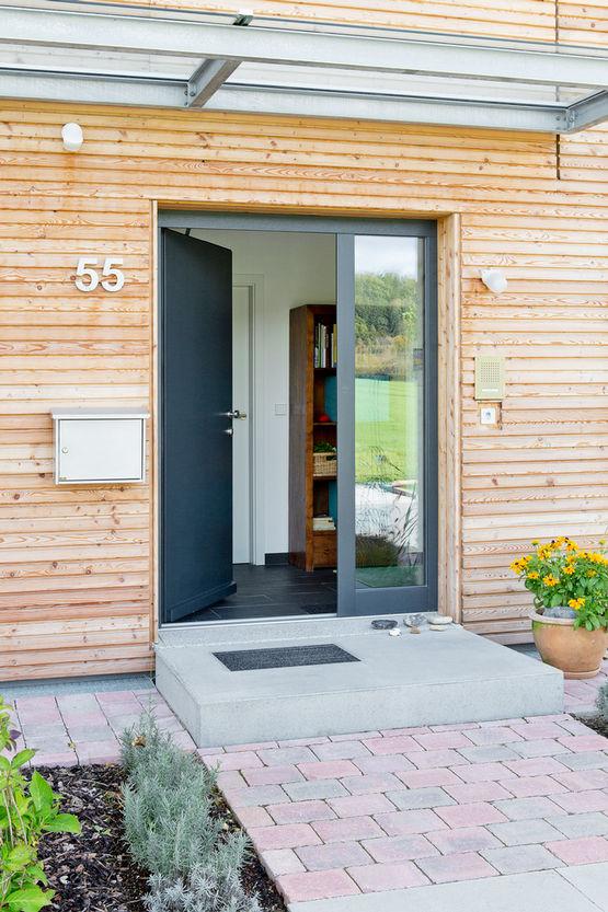 GEZE ECturn Inside swing door drive, private house