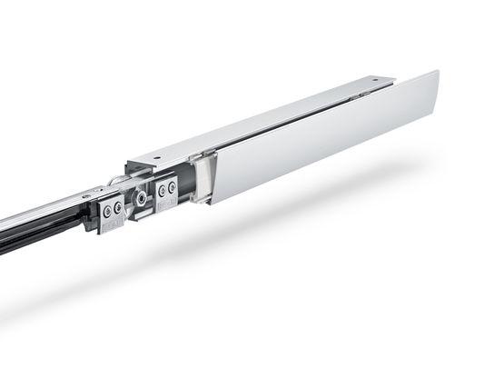 Eine filigrane Lösung, manuelle Schiebetüren im Innenbereich mit funktioneller Leichtigkeit zu gestalten und mühelos zu bewegen