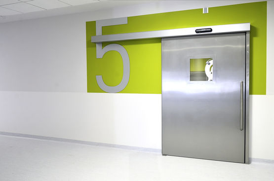 GEZE ECdrive at the entrance to the operating theatres at the Children's Memorial Health Institute, Warsaw