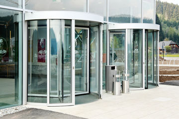 Glazed GEZE revolving doors in the entrance to the water park.