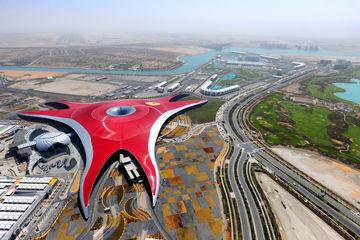 Luftaufnahme Ferrari World Abu Dhabi.