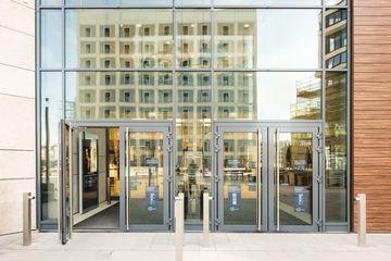 Energieeffiziente Gebäude sind wichtiger Bestandteil der Energiewende. GEZE trägt mit Lösungen zur Gebäudesteuerung effektiv zur Energieeinsparung bei.