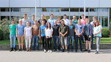 GEZE begrüßt 21 junge Menschen in sechs Ausbildungsberufen