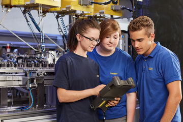 GEZE apprentices say: training at GEZE is better than average. This was confirmed by the 'Fair Training Programme 2020' seal of approval from trendence.