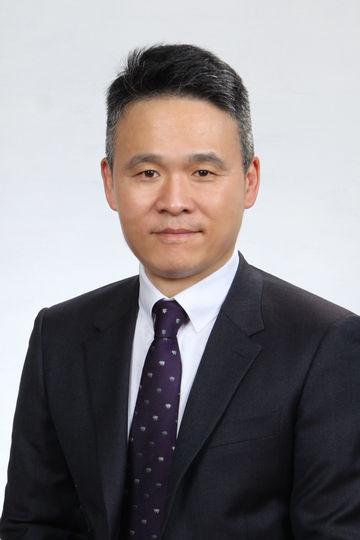 General Manager Yunhuei Hur der GEZE Korea Ltd