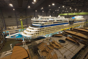 The new giant of the AIDA fleet: AIDAluna in the construction dock. Photo: Michael Wessels