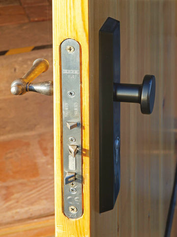 Close-up of door leaf with IQ lock anti-panic lock