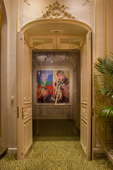 The door to haute couture – customised sliding doors