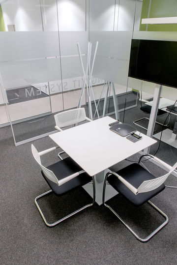Modern meeting rooms: Communicating and developing new things together - there's enough space and suitable equipment to do just that.