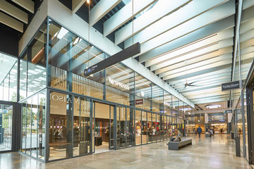 Since doors open automatically, this contributes to the enjoyable experience of visitors to the shopping centre.