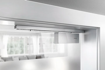 Draw-in damper on both sides for single-action doors without fire protection requirements press picture, press article