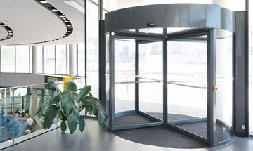 TSA 325 NT automatic, ÖAMTC, Product image Website revolving door